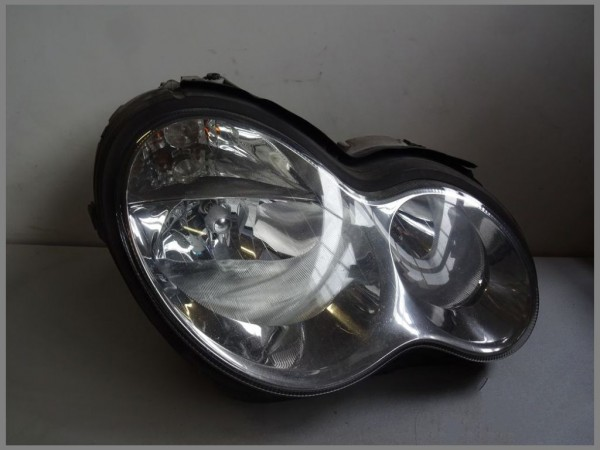 Mercedes Benz MB W203 Headlight RIGHT 2038203261 Genuine