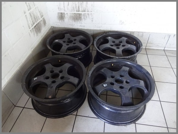 Mercedes Benz Design W203 RIAL alloy wheels 7.5x16 ET35 rims SET B43