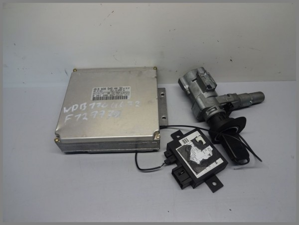 Mercedes Benz R170 SLK-Class engine control unit 0285454432 Bosch 0261206457