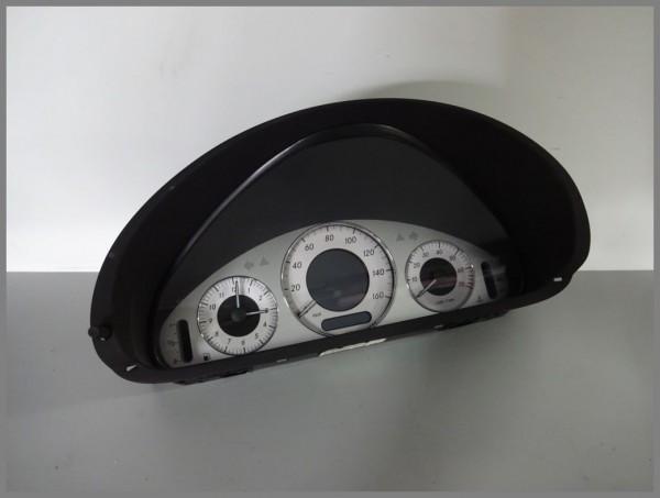 Mercedes Benz MB W209 Tachometer Kombiinstrument 2095409811 VDO 110.080.291/015