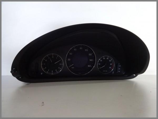 Mercedes Benz MB W209 Drehzahlmesser Kombiinstrument 2095403911 VDO 110.080.140/017