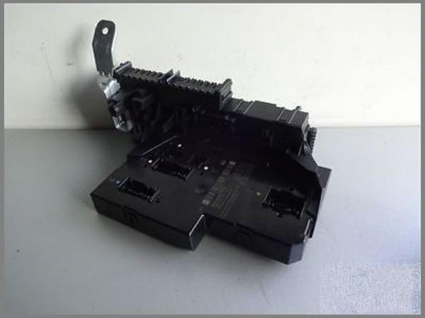 Mercedes MB W204 control unit SAM 2049005601 Fuse box HELLA 5DK009225-65