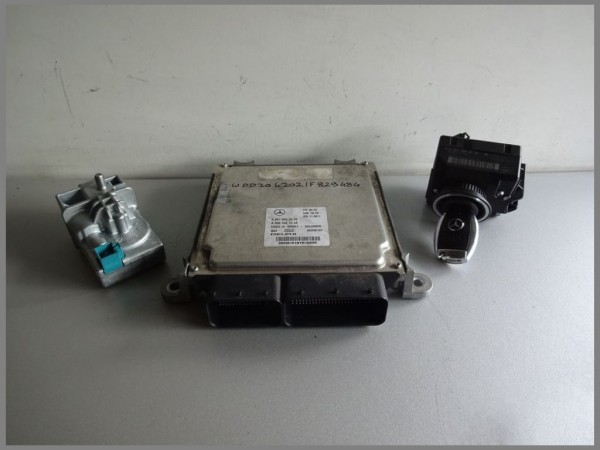 Mercedes Benz W204 CDI engine control unit 6519007500 DELPHI 0064461540