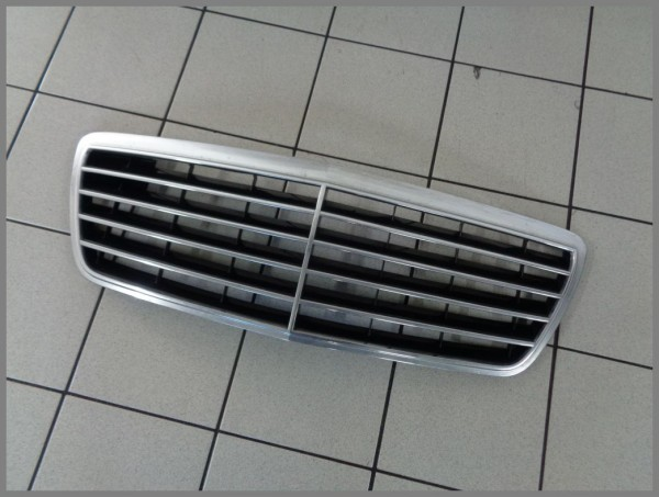 Mercedes Benz W210 Frontgrill Kühlergrill Grill 2108800683 ADVANTGARDE BJ.2002