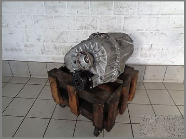 Mercedes Benz W163 Transfer Case Transmission Center 1632800800 123tkm
