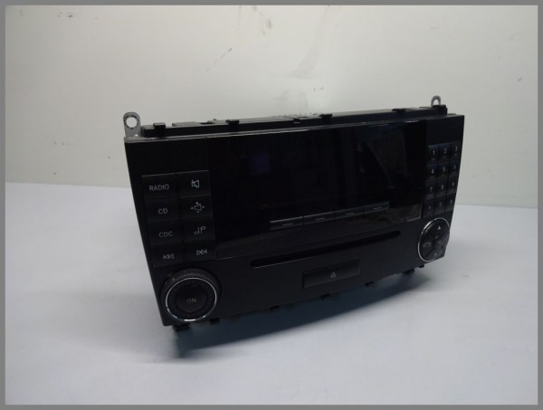 Mercedes W209 CLK-class CD radio MF2540 player car radio 2098206589 original
