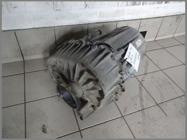 Mercedes Benz W163 Transfer Case Transmission Center 1632800800 149tkm
