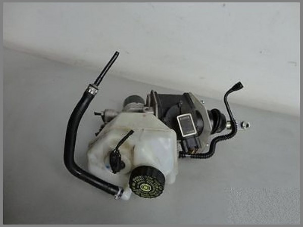 Mercedes Benz MB W211 Bremskraftverstärker Hauptbremszylinder 0004300312 BOSCH