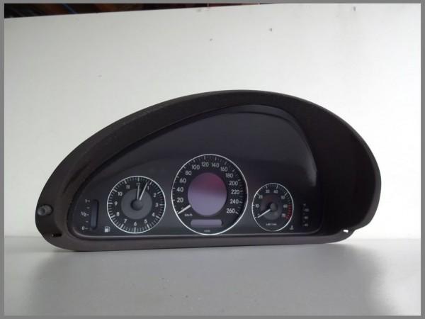 Mercedes Benz W209 Tacho Kombiinstrument 2095403111 VDO 110.080.251/001 Original