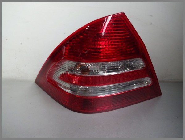 Mercedes Benz W203 taillight LEFT 2038201964 Taillight Original