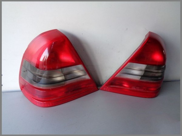 MB W202 Saloon LIMO Taillights 2028200964L 2028201064R SET Left Right RED