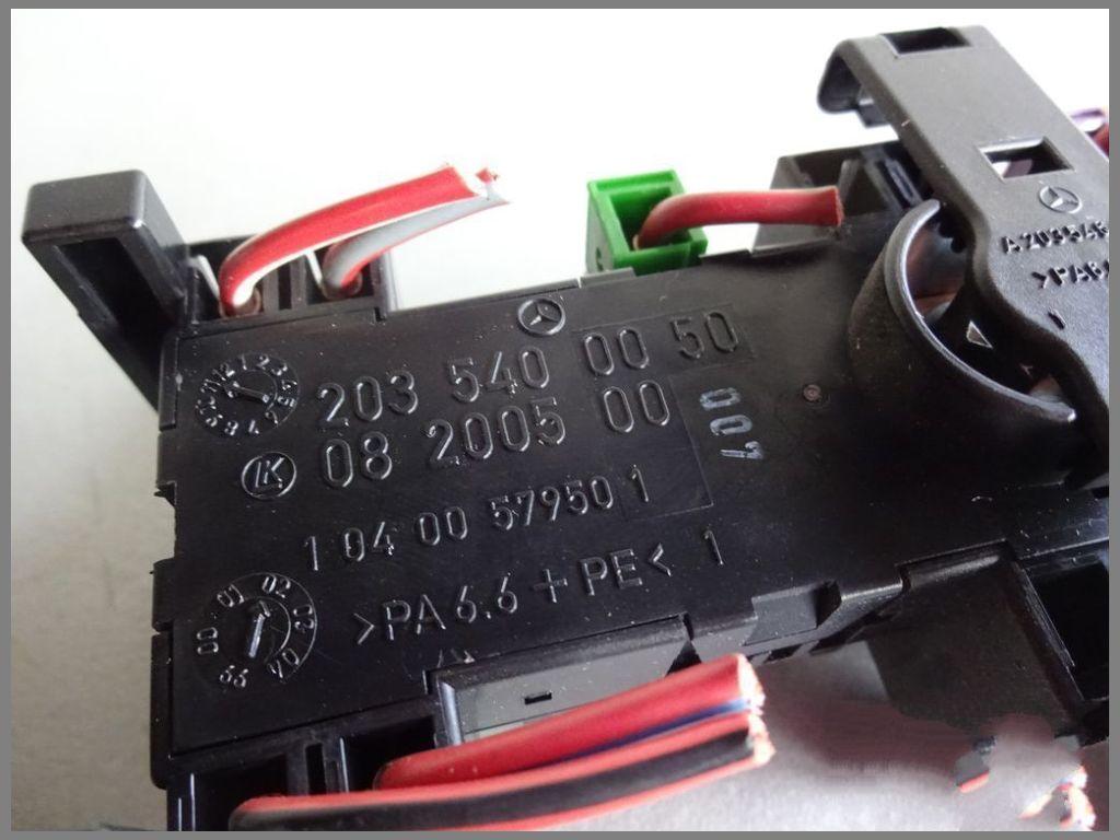mercedes benz w203 c-class fuse box 2035400050 original interior box | w203  | c-class | mercedes spare parts | benzshop.de  www.benzshop.de